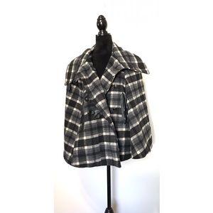 Jou Jou Black Gray White Plaid Wool Cape 2X